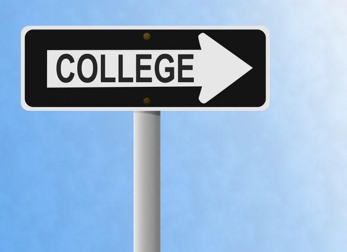 bigstock-College-2453518_54e045abfb915d7b4db80b4af694afc4