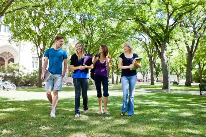 bigstock-Group-of-college-students-walk-24037724_37f7e2b38213af3288d415f9330247d2